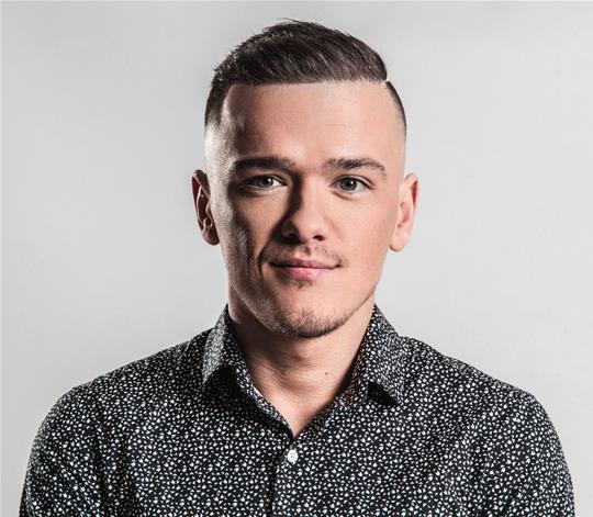 GEORGE SAMPSON begins rehearsals for 'Everybody's Talking About Jamie'